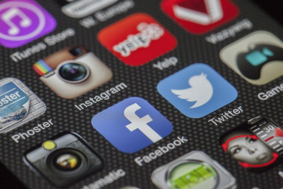 social media icons. Image by Thomas Ulrich from Pixabay